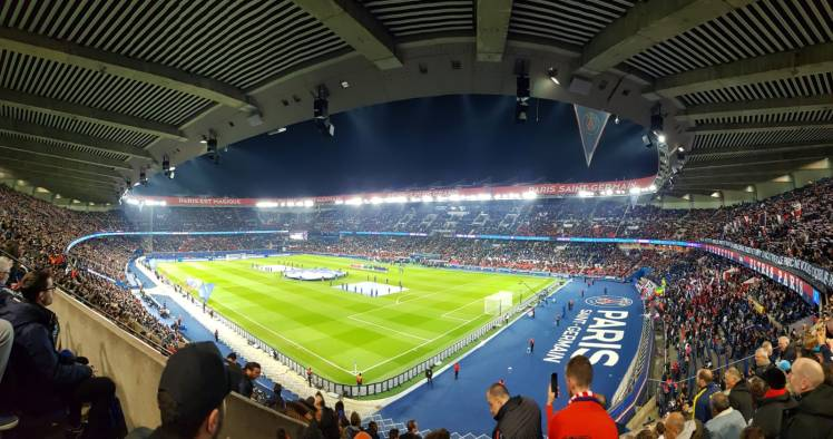 Football Match - PSG vs. Dijon FCO