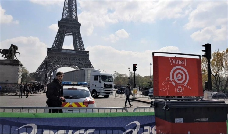 Eiffel Tower - 30km